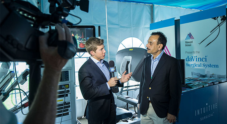 Dr. Ash Tewari answers questions about the da Vinci® Surgical System robot