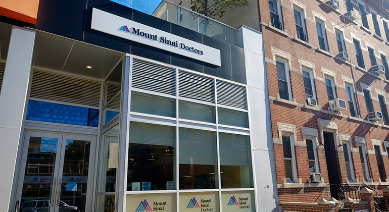 Image of the outside of the Mount Sinai Doctors Williamsburg practice in Brooklyn, NY